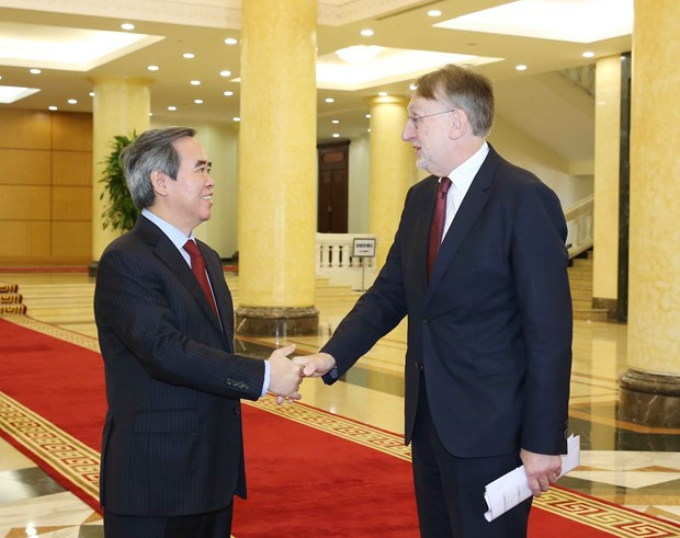 Party official hopes for early ratification of EU-Vietnam deals hinh anh 1