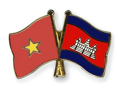 Vietnam, Cambodia enhance defence ties hinh anh 1