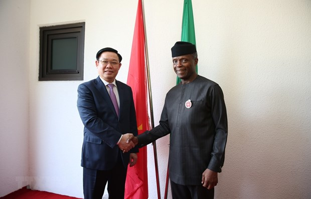 Deputy PM holds talks with Nigerian Vice President hinh anh 1