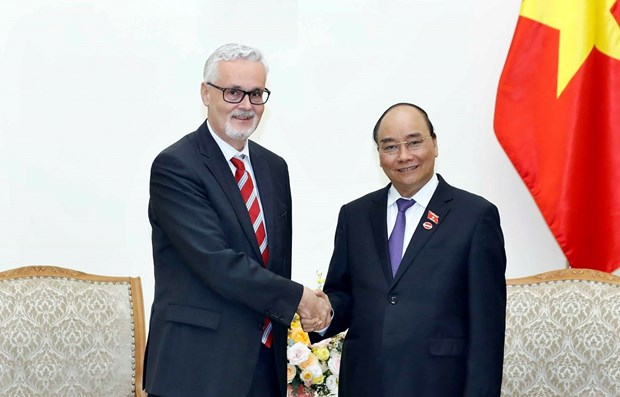 PM receives new German Ambassador to Vietnam hinh anh 1