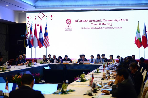 ASEAN Economic Community Council holds 18th meeting in Thailand hinh anh 1
