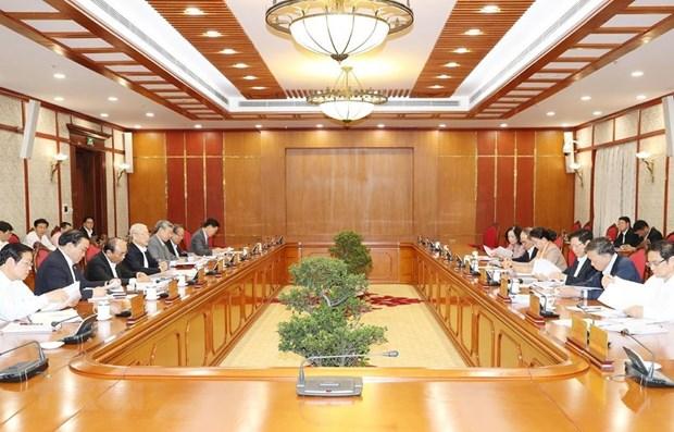 Politburo mulls over anti-corruption documents hinh anh 1