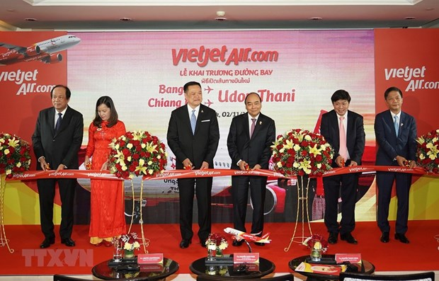PM Nguyen Xuan Phuc attends commercial launch of Vietjet's new flights in Thailand hinh anh 1