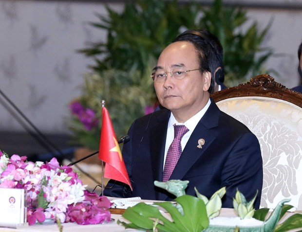 PM attends plenary meeting of 35th ASEAN summit hinh anh 1