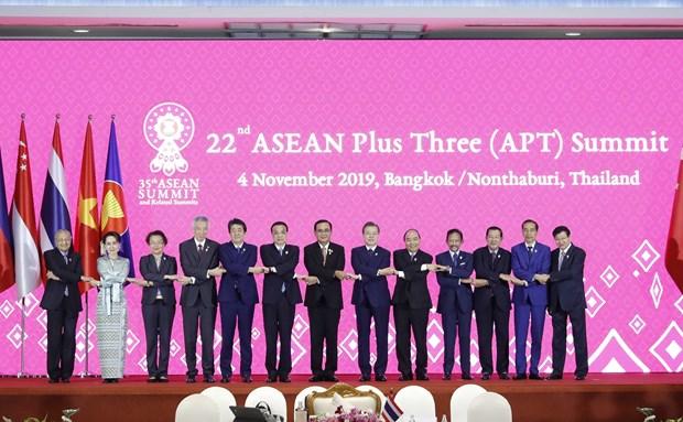 Vietnamese PM attends ASEAN+3 Summit in Bangkok hinh anh 1