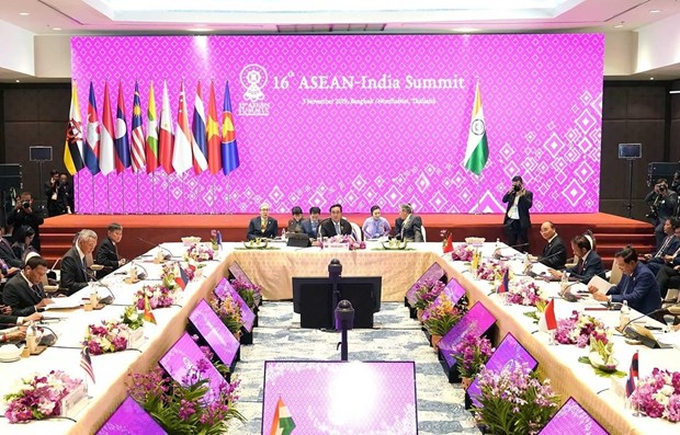ASEAN, India back maintaining peace in East Sea hinh anh 1