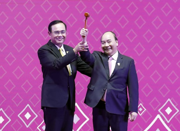 35th ASEAN Summit concludes, Vietnam assumes chairmanship hinh anh 1