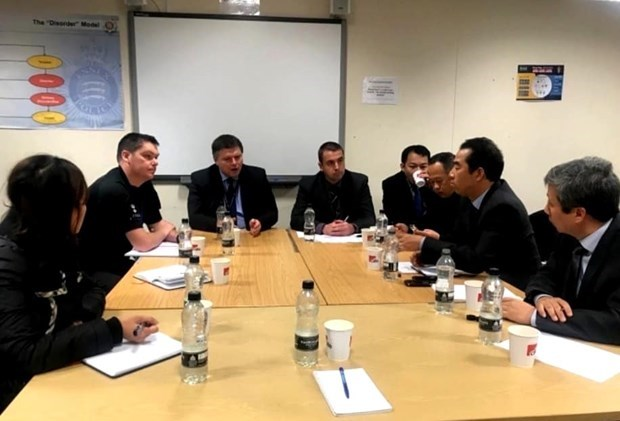 Deputy FM works in UK over lorry deaths hinh anh 1