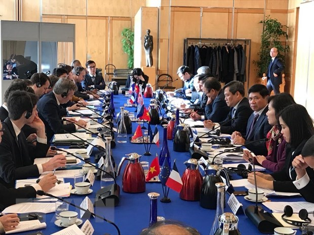Vietnam, France holds sixth high-level economic dialogue hinh anh 1