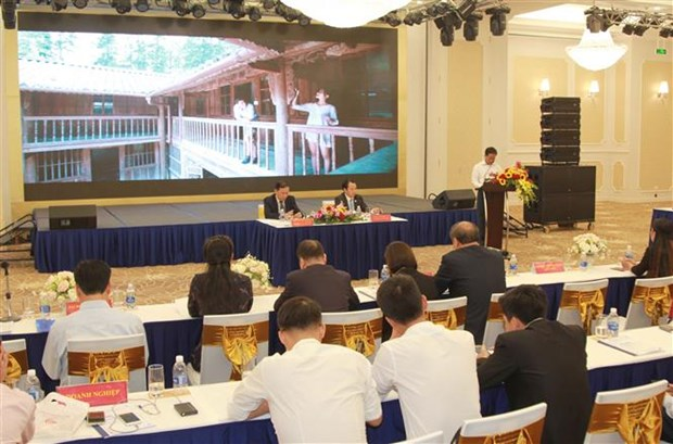 Conference promotes tourism links in Viet Bac, China's Guangxi hinh anh 1