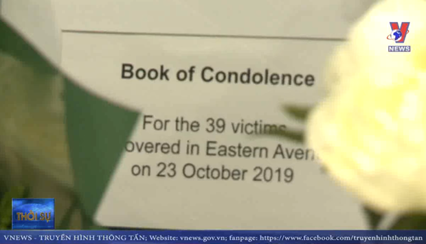 Vietnamese expats in UK mourn victims of lorry tragedy hinh anh 1