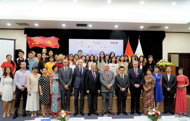 Awards ceremony held for Young Francophones Reporter contest hinh anh 1