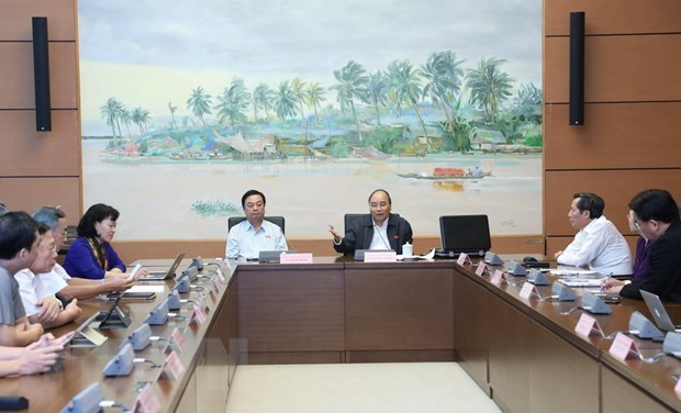 Resolution on socio-economic development plan for 2020 sails through NA hinh anh 1
