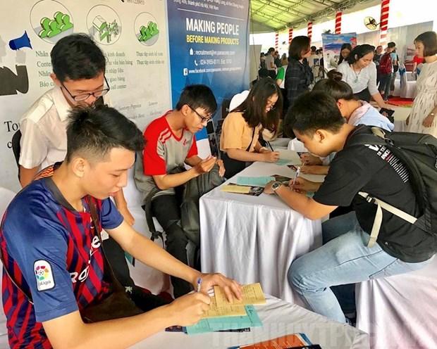 HCM City sees 26,000 job vacancies in November hinh anh 1
