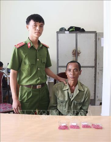 Two drug traffickers arrested in Dien Bien hinh anh 1