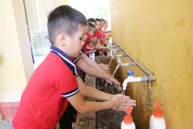 Programme to provide clean water for mountainous areas hinh anh 1