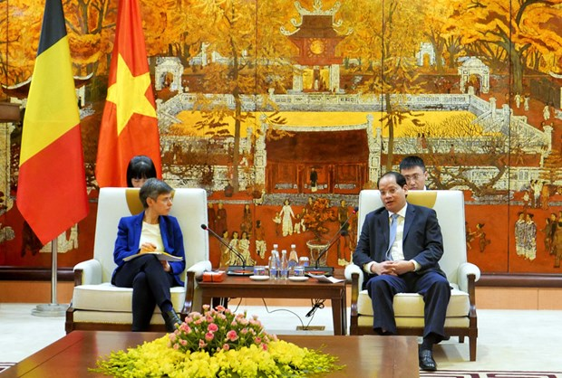 Hanoi, Belgian province boost cooperation hinh anh 1