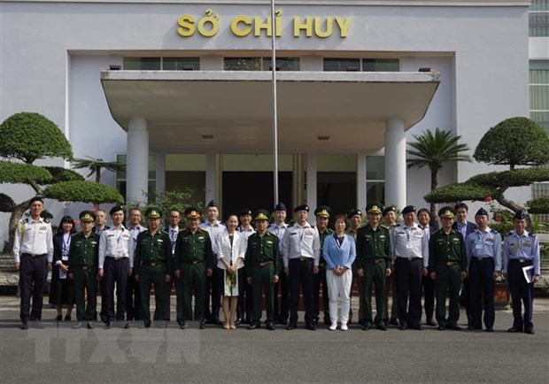Japanese military delegation work with Lao Cai Border Guards hinh anh 1