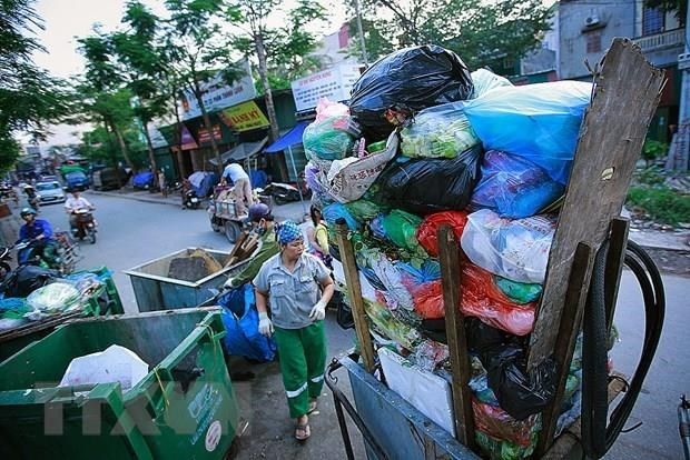 Hanoi's agencies requested to stop using single-use plastics hinh anh 1