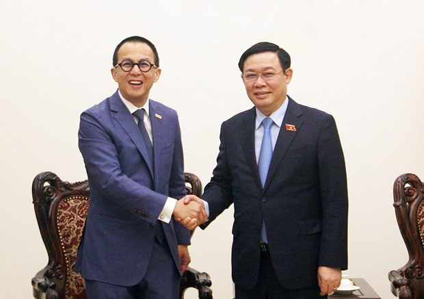 Deputy PM asks FWD Insurance to invest in start-up projects in Vietnam hinh anh 1