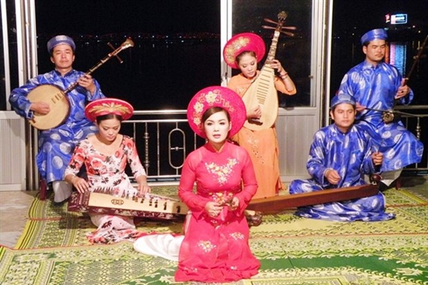 Thua Thien-Hue to seek UNESCO recognition for Hue folk singing hinh anh 1