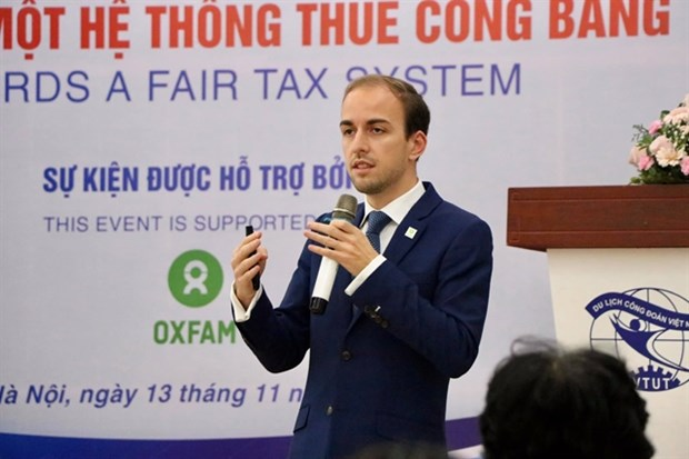 Vietnam advised to cut tax incentives for long-term development hinh anh 1