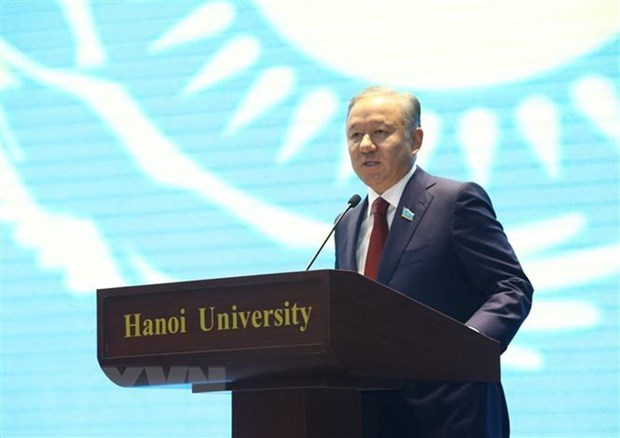 Kazakhstan lower house chairman concludes Vietnam visit hinh anh 1
