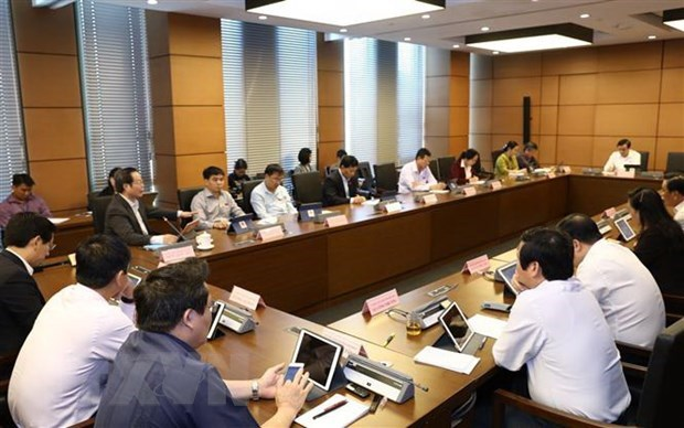 Revisions to laws on investment, enterprises tabled for NA discussion hinh anh 1
