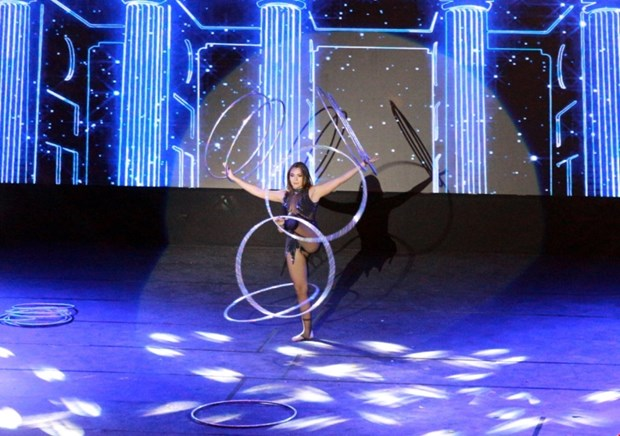 Circus festival entertains tourists in Quang Ninh hinh anh 1