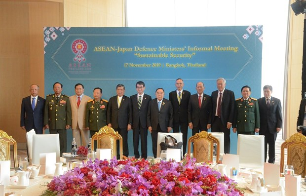 ASEAN, partners seek to expand defence cooperation hinh anh 1