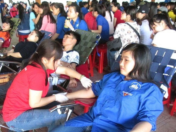 HCM City lacks blood for medical treatment at year-end hinh anh 1