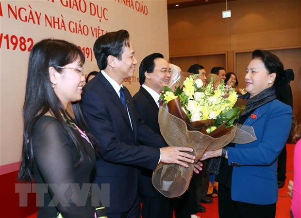 Top legislator hails teachers' contributions to national education development hinh anh 1