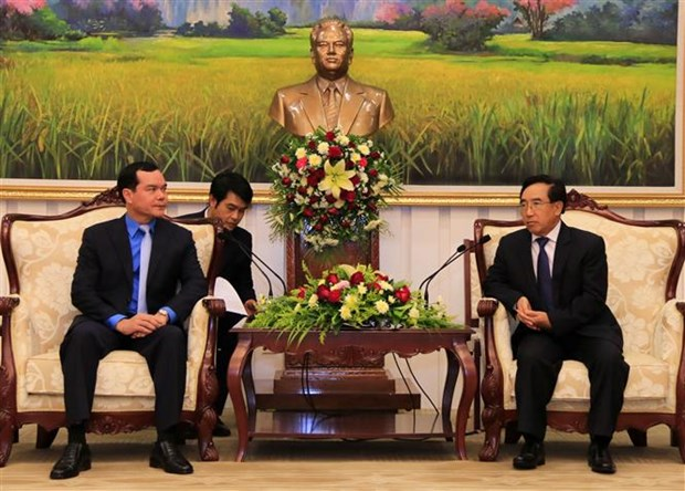 Vietnam, Laos bolster trade union cooperation hinh anh 1