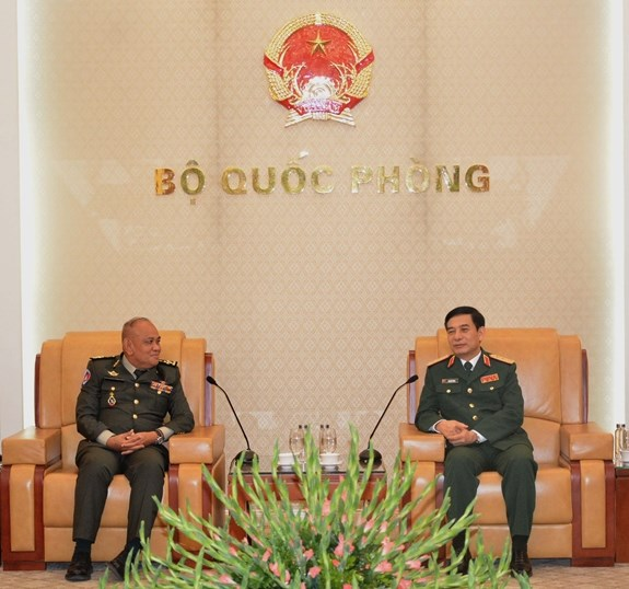 Chief of General Staff Phan Van Giang welcomes Cambodian guest hinh anh 1
