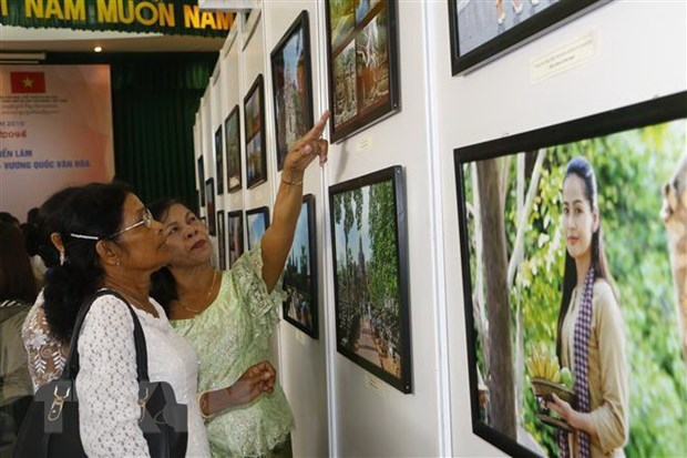 Can Tho exhibition spotlights Cambodian culture hinh anh 1