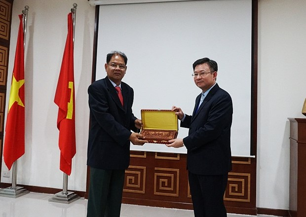 Hanoi, Cambodia share experience in information management hinh anh 1