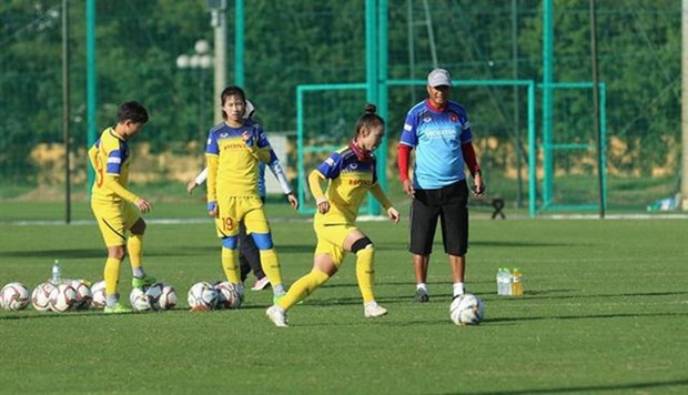 Vietnam's female national football team ready to defend SEA Games title hinh anh 1