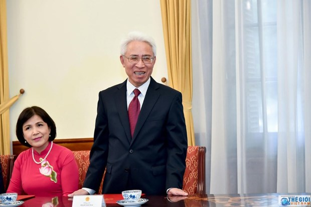Vietnamese Ambassador to China presents credentials hinh anh 1