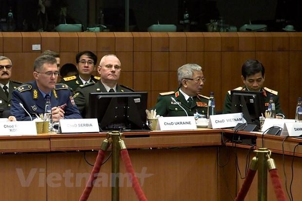 Vietnam, EU step up defence - security ties hinh anh 1