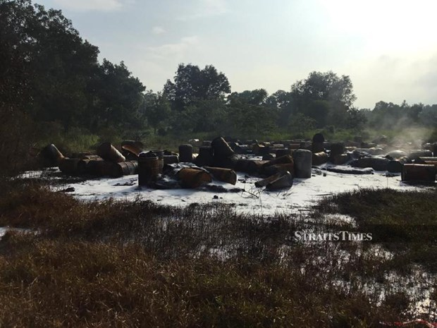 Malaysia: fire breaks out at illegal dumpsite hinh anh 1