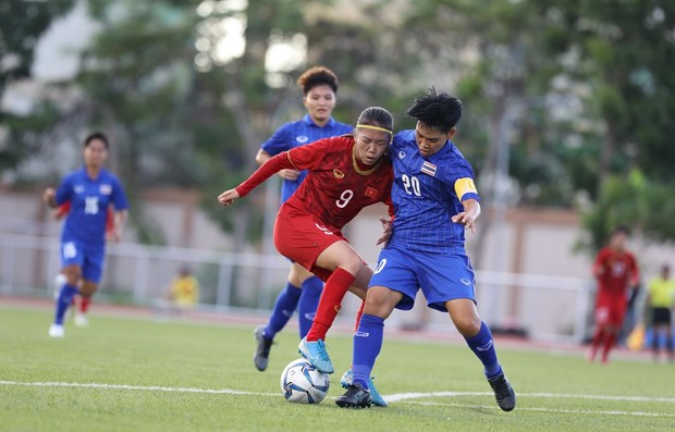 Vietnamese women's team draw with Thailand in SEA Games hinh anh 1
