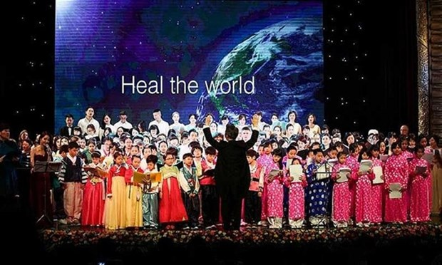 Hundreds of artists to perform at charity concert in Hanoi hinh anh 1