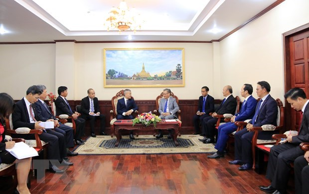 Vietnam congratulates Laos on 44th National Day hinh anh 1