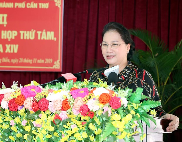 Can Tho voters informed about outcomes of NA's 8th session hinh anh 1