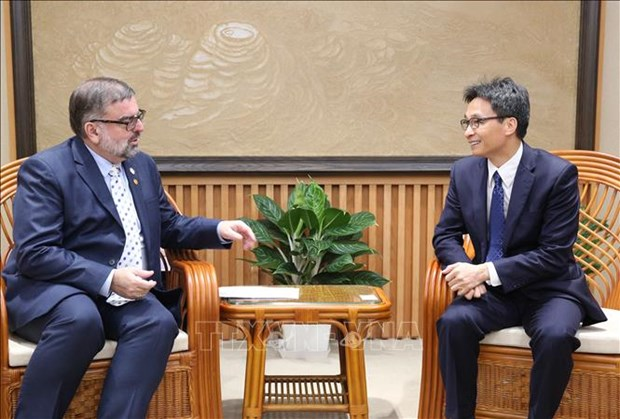 Deputy PM receives UN HIV/AIDS official hinh anh 1