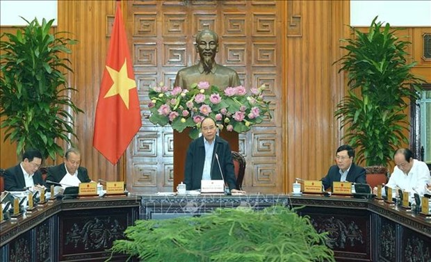 PM chairs cabinet meeting on building draft Solution 01 for 2020 hinh anh 1