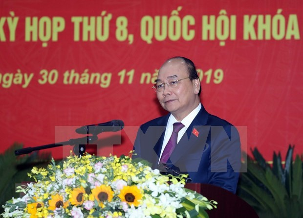 PM Nguyen Xuan Phuc meets voters in Hai Phong hinh anh 1