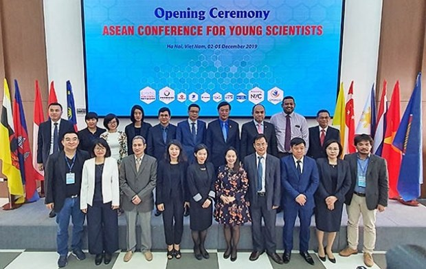 ASEAN Conference for Young Scientists 2019 opens in Hanoi hinh anh 1