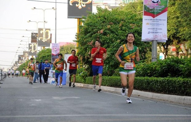 Over 2,000 runners join Can Tho Heritage Marathon 2019 hinh anh 1