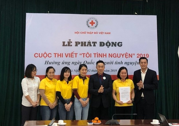 Vietnam Red Cross launches writing contest on volunteer activities hinh anh 1